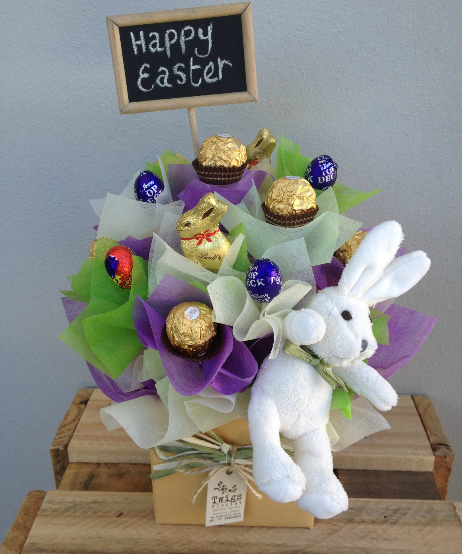 Gold coast florist bunches order by occasion easter range easter chocolate box arrangement negle Image collections